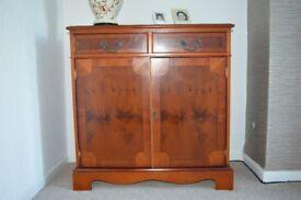 Mahogany veneer cabinet/cupboard