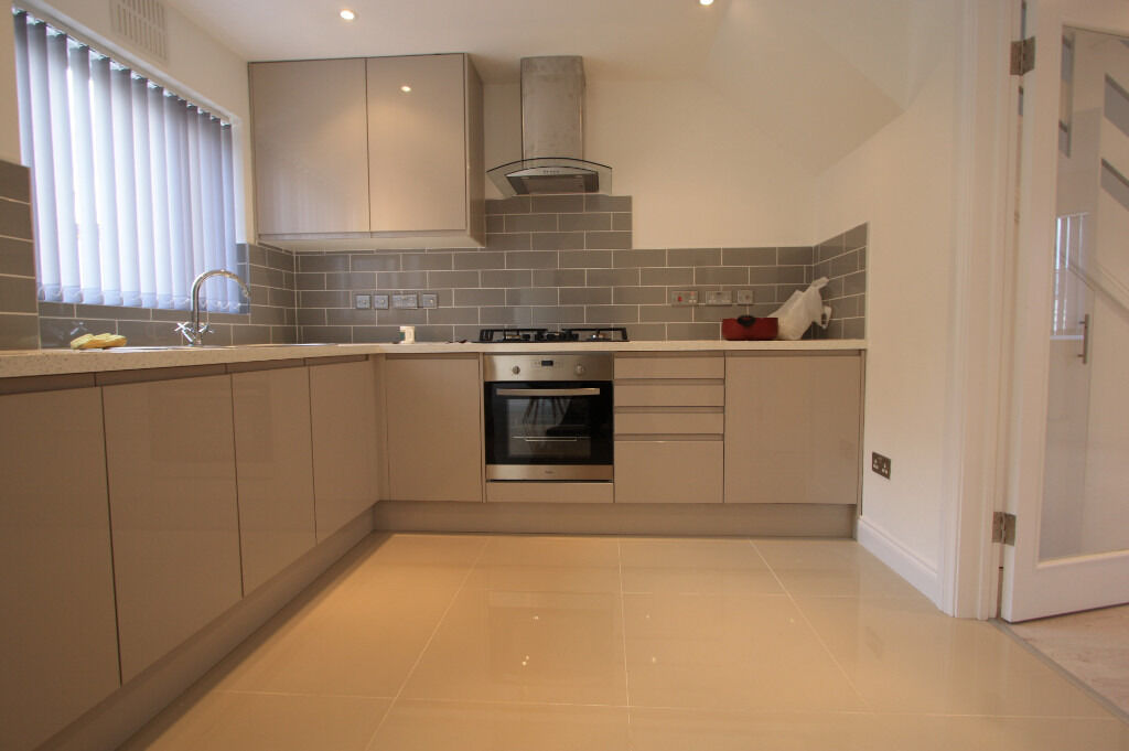 BRAND NEW 3 BEDROOM IN STREATHAM ! DO NOT MISS OUT!!