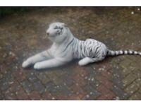 BRAND NEW WHITE CUDDLY TIGER