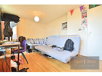 NO AGENCY FEE Lovely split level 3 bed property with private garden within easy reach to Oval tube