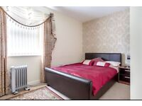 double room - en suite - wifi - short term let