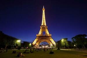 "Beautiful 24""x36"" High Definition ""EIFFEL TOWER"" Picture."