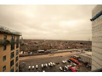 TOP FLOOR APARTMENT, DOCK VIEWS, GYM, PARKING, CONCIERGE, AVAILABLE NOW TO LET