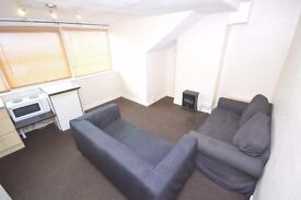 * 1 BED FLAT FULLY FURNISHED * INC WATER * GOOD LOCATION * TOP FLOOR