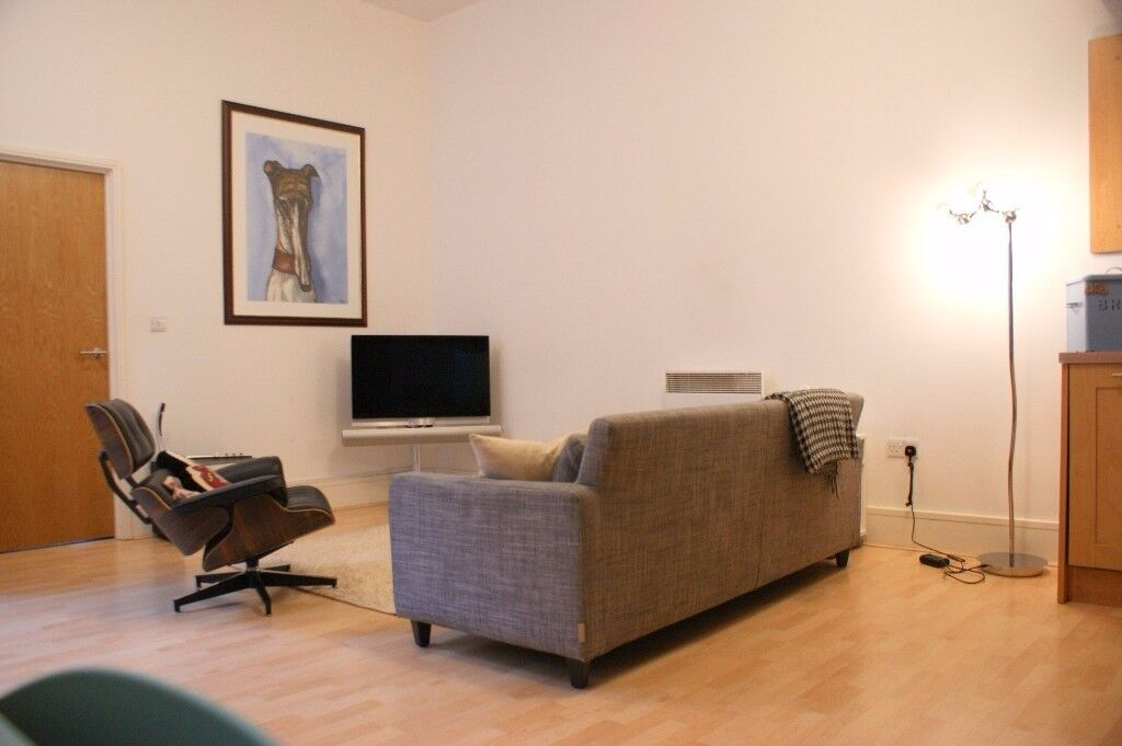2 bed 2 bath Executive unfurnished City Centre apartment in the Cultural Quarter next to Curve