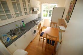 1 bedroom flat in Watford Way, Hendon, NW4