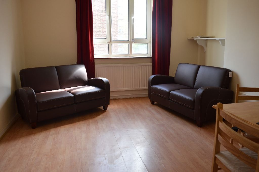 3 DOUBLE BEDROOM WITH SEPARATE LIVING ROOM AVAILABLE NOW CLOSE TO DALSTON OVERGROUND