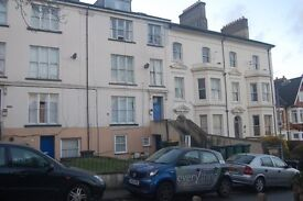 FURNISHED 2 BED GROUND FLOOR FLAT AVAILABLE TO RENT
