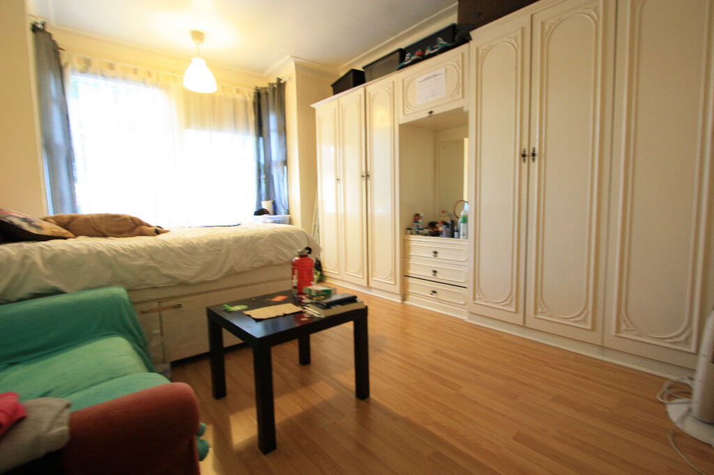 1 Bedroom Flat in Wimbledon!!!