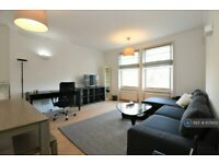 2 bedroom flat in Canfield Gardens, London, NW6 (2 bed) (#1071452)