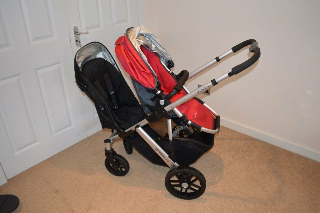 Uppababy Vista in Denny Red including optional Rumble Seat