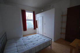 Studio to rent Fermepark Road, London N4 £750 pcm £173 pw for single £850 pcm £196pw for couple