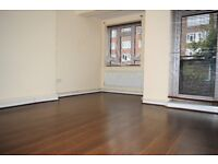 MOVE IN ASAP - THREE DOUBLE BEDROOMS IN ALDGATE EAST - TOWER HILL ZONE 1