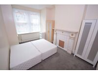 **GREAT STREET LANE LOCATION**SPACIOUS 1 BED FLAT**ROMAN PLACE**