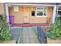 AVAILABLE NOW - SPACIOUS 3 DOUBLE BEDROOM MAISONETTE NEAR MILE END UNDERGROUND