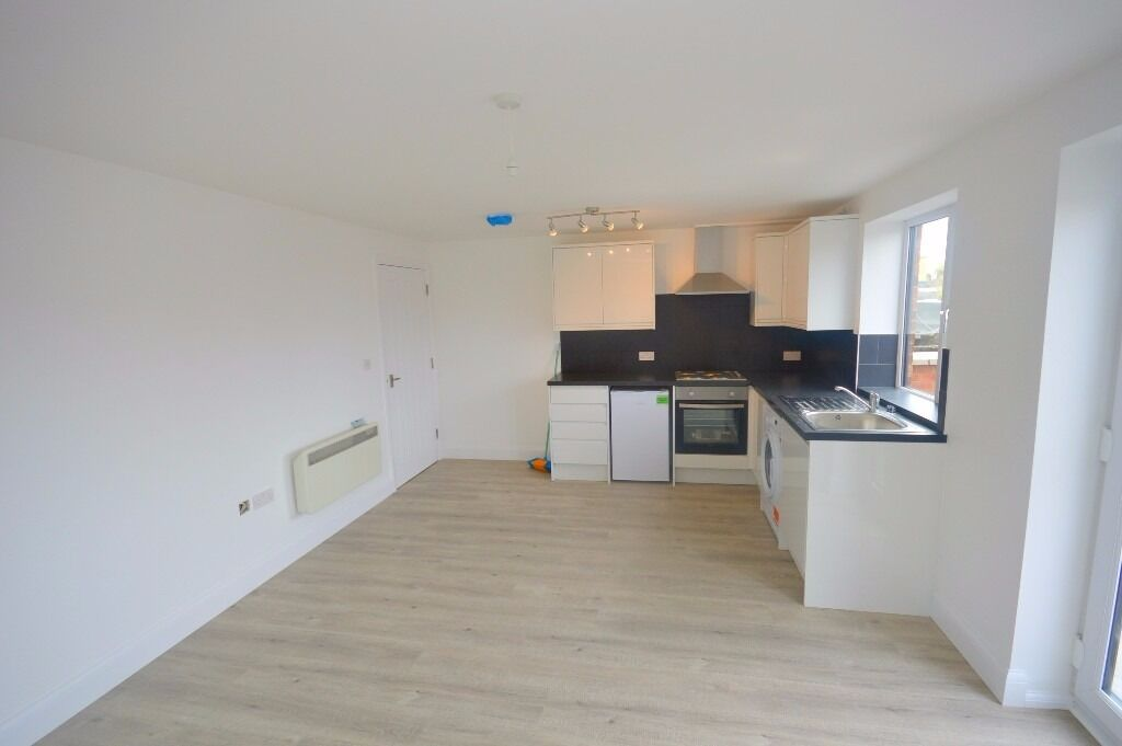 1 Bedroom brand new flat on 2nd floor, Ilford Lane, Ilford, part dss with Homeowner Guarantor