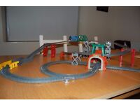 Trackmaster 5-in-1 Track Builder Set - Thomas the Tank Engine