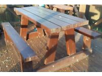 Good quality Solid timber Picnic table