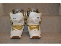 ThirtyTwo Lashed snowboard boots, size UK8.5