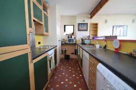 2 bedroom flat in Port House, London, E14