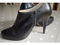 Gorgeous black leather M&S autograph ankle heel boots size 5.5