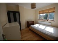Double room in Perivale, shared kitchen & bathroom. Close to shops. All bills included.