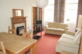 New Town, Barony Street. Spacious 3 bed flat just . HMO Licence.
