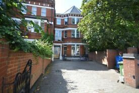 Newly refurbished 3 bed Victorian flat