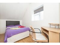 Ealing Common Room in Shared Flat