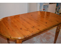 EXTENDABLE PINE KITCHEN TABLE