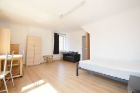 :: 4 BEDROOM FLAT TO RENT IN LIMEHOUSE ::PART DSS ACCEPTED::