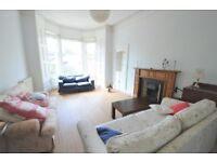 Traditional, spacious, 3 bedroom (no HMO) flat in Canonmills available NOW!