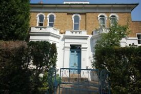 1 Bedroom Flat in large period house in Chiswick