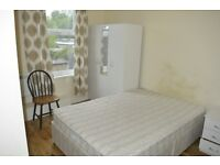++++LARGE FURNISHED ENSUITE DOUBLE ROOM NEXT TO CAMBERWELL ART COLLEGE. ALL BILL AND WIFI INCLUDED**