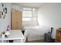 4 DOUBLE BED FLAT IN BOROUGH WITH LARGE BALCONY £700PW AVAILABLE JUNE!!