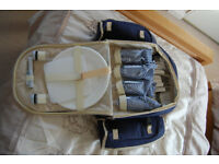 Blue Picnic Rucksack with 4 place settings and two bottle carries New with Tags