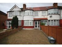 Perivale: Furnished double bedsit with own cooking facilities and shared bathroom.