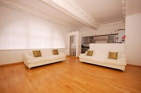 NEARLY NEW LARGE 3 SEATER WHITE LEATHER SOFAS (X2)