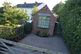 1 Bedroom/Studio Detatched Bungalow/House with off street parking. £395PCM ... TAX Band A! WOW