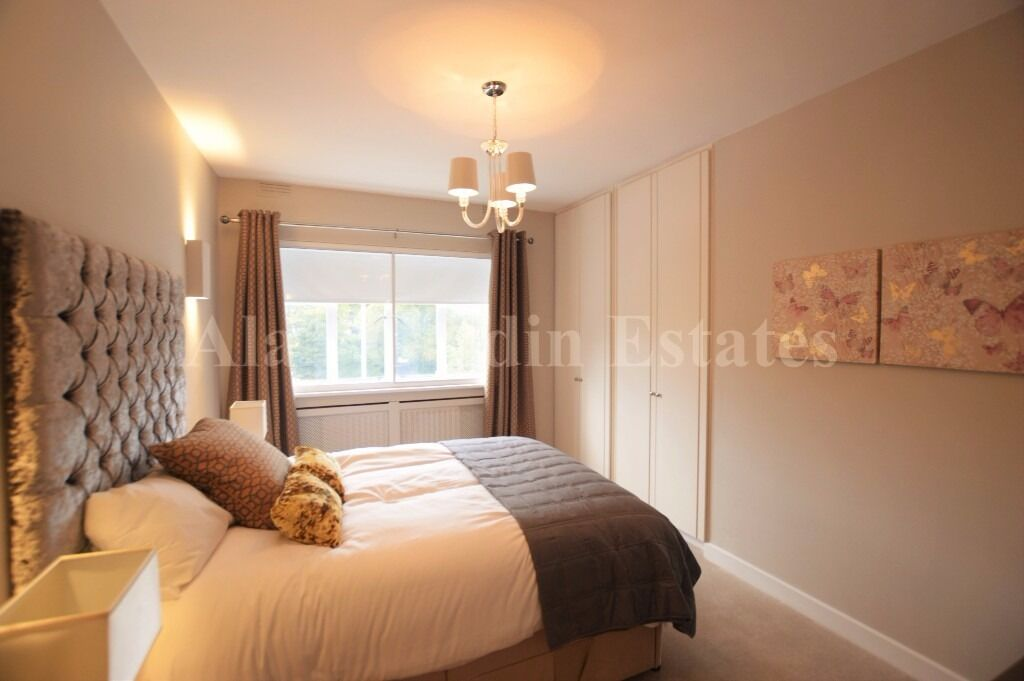 Stunning newly refurbished 2 double bedroom apartment.
