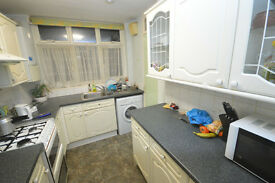 Beautiful 2 bedroom house to rent in Nigel Mews, Ilford, Working Professionals only