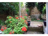 STUNNING& AMAZING ONE BEDROOM GROUND FLOOR FLAT WITH A PRIVATE GARDEN! AVAILABLE NOW