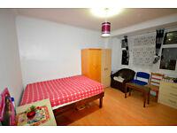Beautiful Studio flat to rent on Charter Avenue, Newbury Park, Bills included