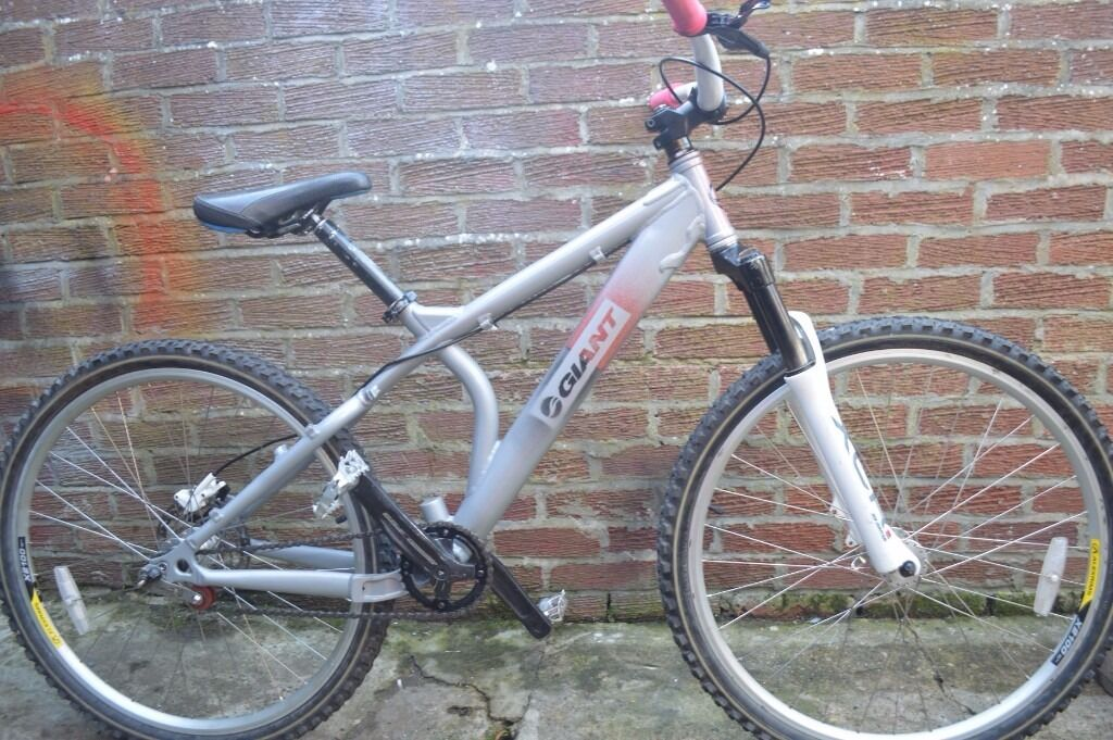 giant acid stunt bikein Sunderland, Tyne and WearGumtree - light aluminium frame fluid brakes front suspension alloy rims and hubs quick release wheels good tyres chain worn out but still rides cheap for quick sale £80