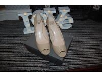 VINCE CAMUTO LADIES SHOES SIZE UK 8. COLLECTION FROM WHITBY ONLY. RRP £129.99