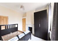 BEAUTIFUL ONE BEDROOM FLAT WITHIN SUBSTANTIAL VICTORIAN BUILDING IN SUTTON
