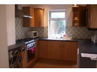 4 Dble bed house 10 mins drive from the beach. Still available for Bournemouth Air Festival!