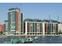 Docklands E16. Luxurious & Spacious 2 Bed 2 Bath Furnished Flat in Prestigious Building