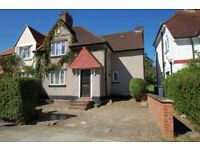4 bedroom house in Sturgess Ave, Hendon, NW4