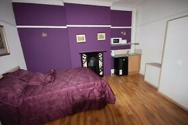 Gorgeous Double Room to Rent in Farnworth, **NO DEPOSIT** ALL BILLS IN CLUDED**